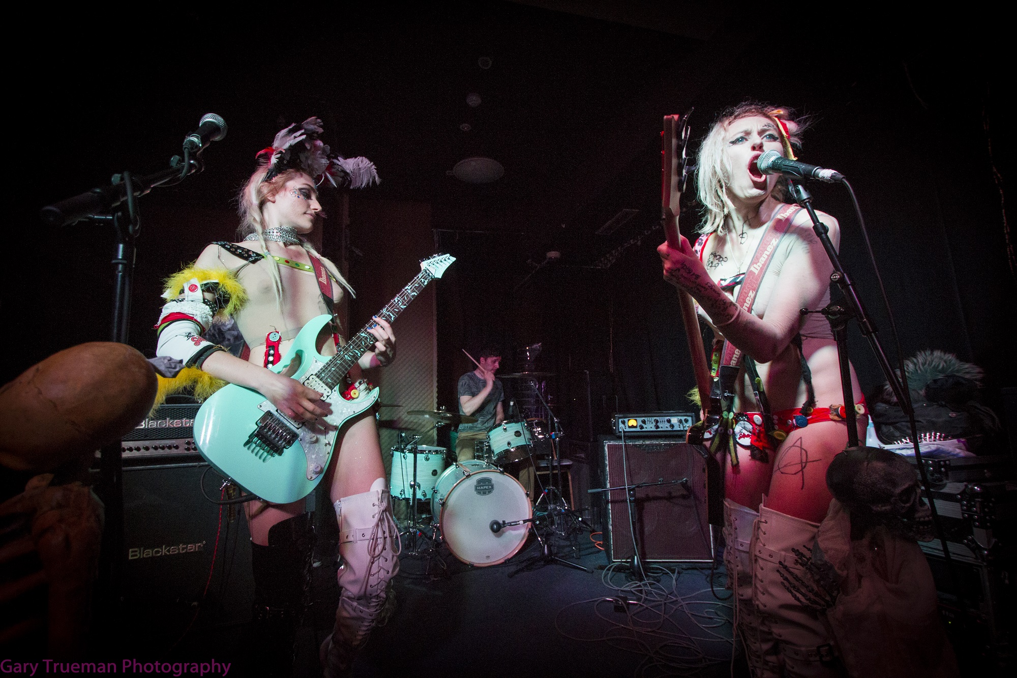 Live: The Soap Girls, 50ft Woman, The Freakouts – Surya, London