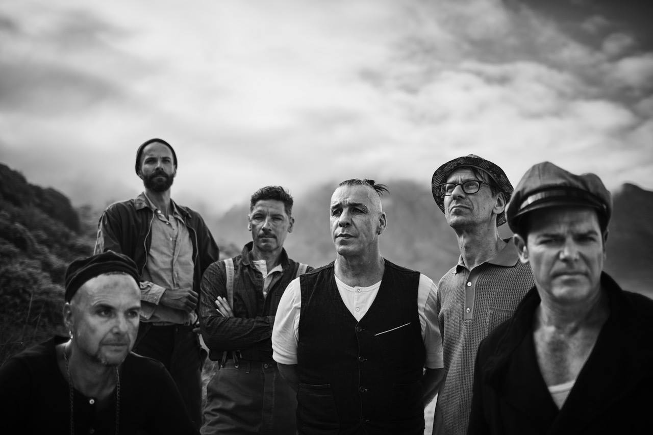 "News: RAMMSTEIN release single and video, ""Deutschland"""