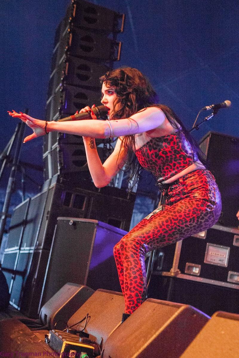 Kim Jennett - Rock star rising